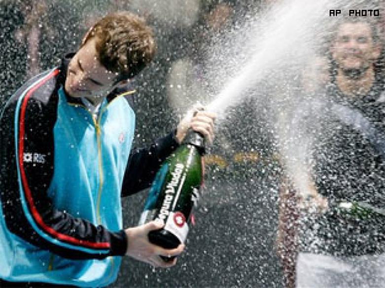 Murray beats Youzhny 6-3 6-2 in final of Valencia Open