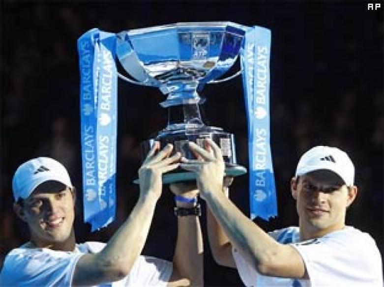 Bryan brothers win doubles final at ATP Finals
