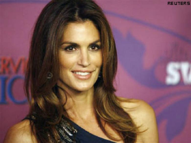 Man's blackmail plot on Cindy Crawford fails