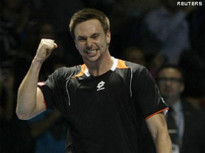 Soderling haunts Nadal again, Djokovic beat Davydenko