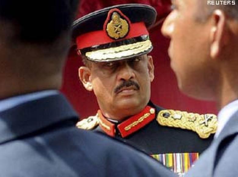 Sri Lanka's top general resigns, may run for prez