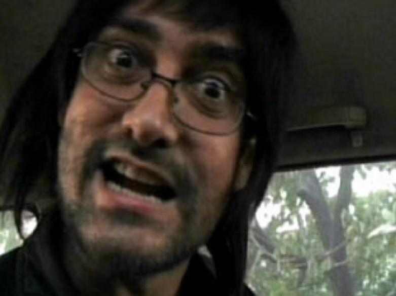 Aamir turns Ganguly fan, pays surprise visit