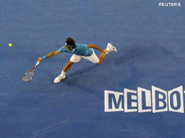 Aus Open: Federer shows he's still king of centre court