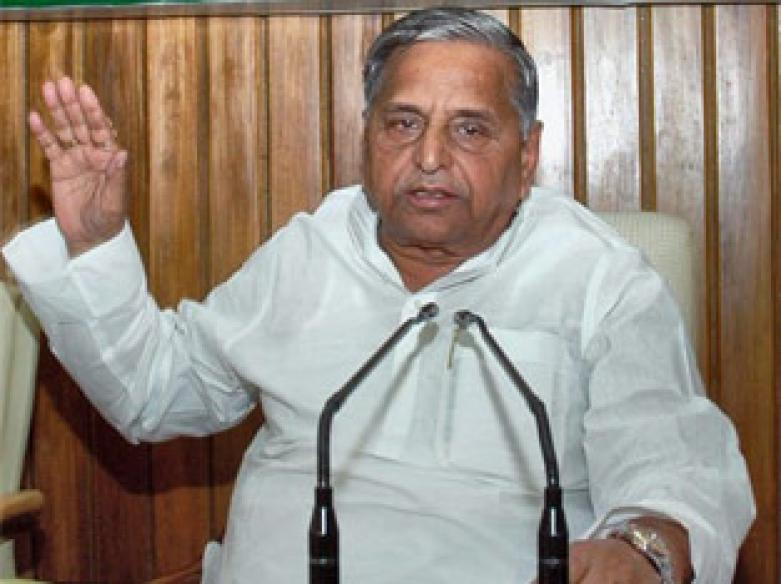 Amar still in SP, resignation no big deal: Mulayam