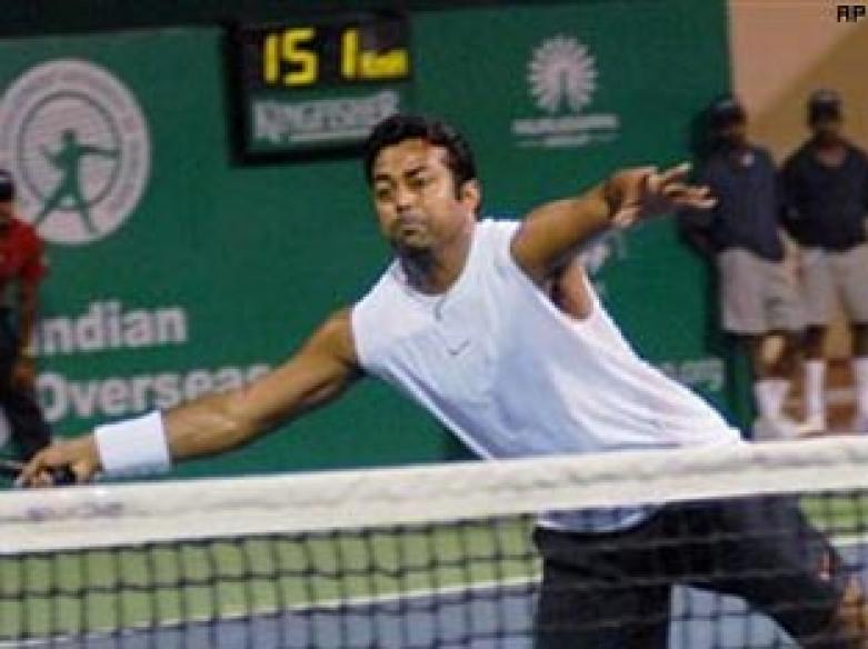 Paes out of men's doubles but enters mixed semis