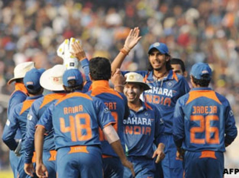 <a href='http://cricketnext.in.com/chat/gaurav-kalra/indias-win-at-eden-upcoming-odis-vs-sa/344.html'>Chat now: Eden win, India in ODIs against South Africa</a>