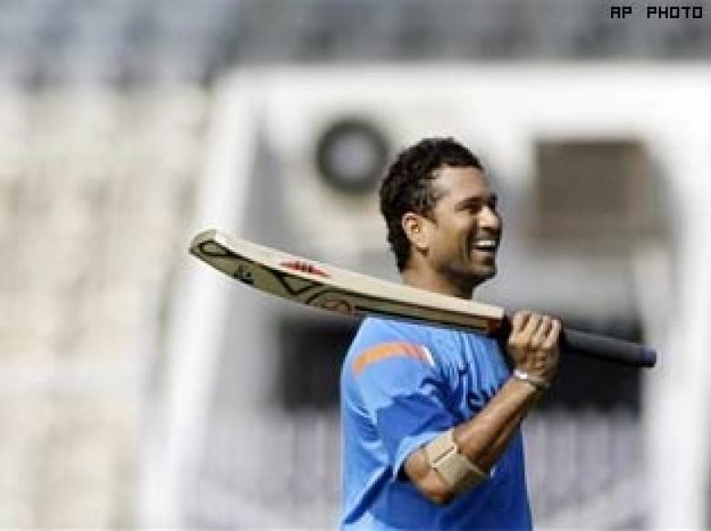 Awesome Sachin after awesome India fill up Twitter