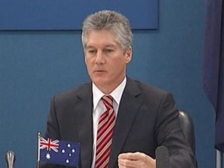 Oz Minister in India to discuss attacks on Indians