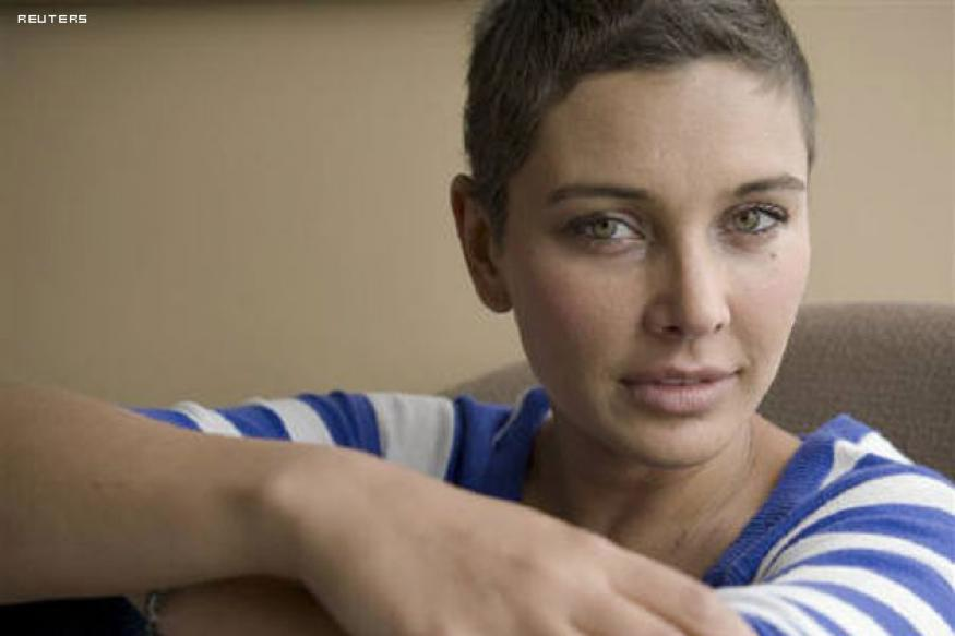Cancer-free Lisa Ray ready to embrace India
