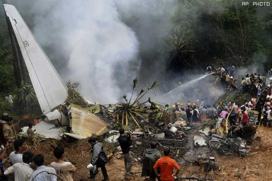 Kerala mourns; holds 30 funerals of crash victims