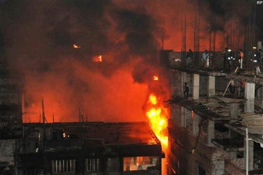 Dhaka fire death toll over 100, set to rise