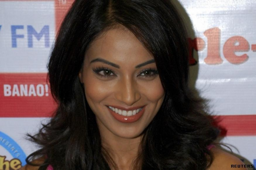 No party for Dhoni: Bipasha Basu