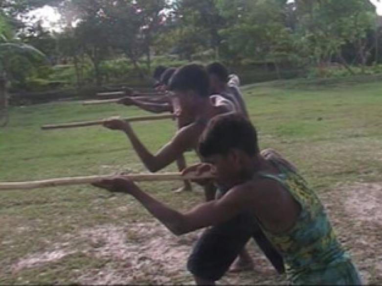 Maoists strike in Dantewada, gunbattle rages