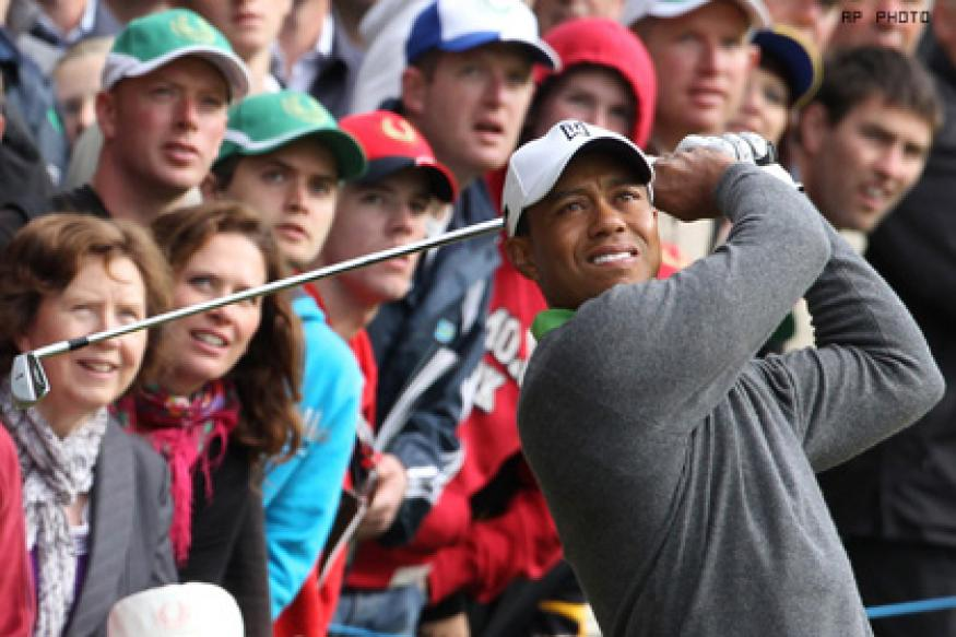 Woods gives a cold shoulder to adoring public