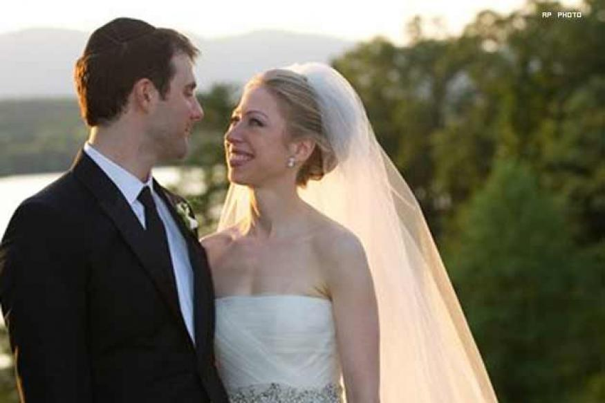 Bill Clinton's daughter Chelsea marries in NY