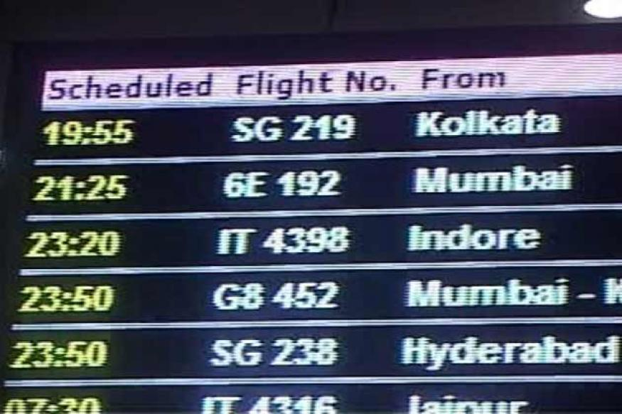 Kol-Delhi passengers stuck in plane for 5 hrs