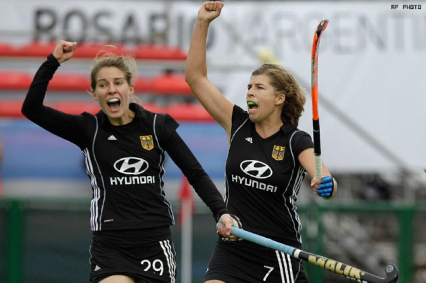 Women's Hockey WC: Germany reach last four