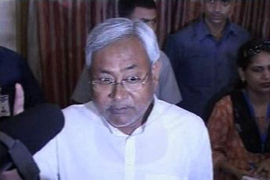 Nitish locks horns with Rahul on central funds