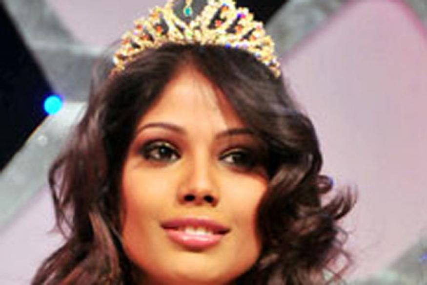 Indian girl crowned Miss Earth 2010