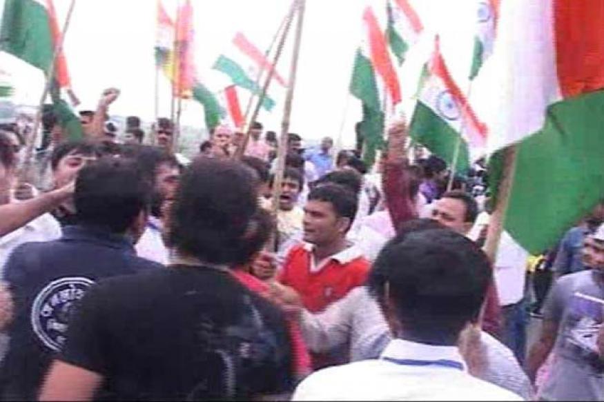 Protests in Pune, Nashik after Anna's arrest