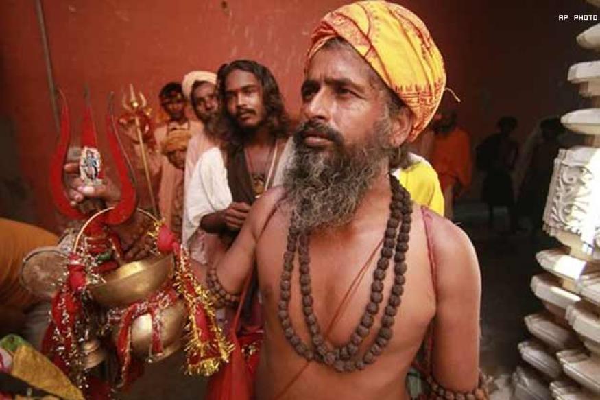 Goa leaders hope for divine help, fund pilgrimages