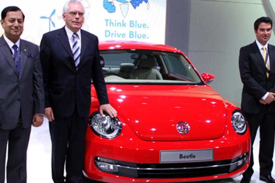 Volkswagen unveils XL1 concept, Touareg and Beetle