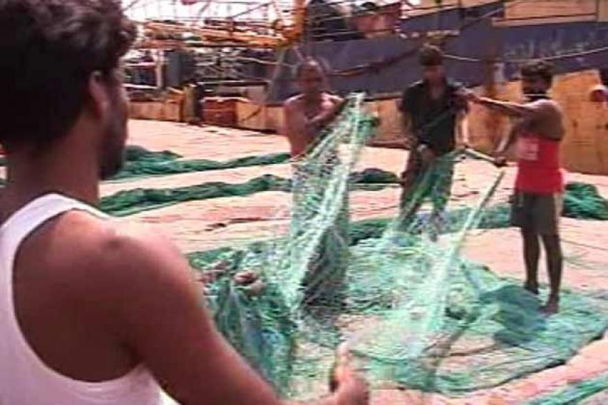 Lankan Navy releases fishermen