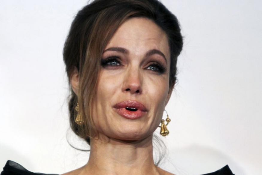 Jolie moved tears at 'In the Land...' screening