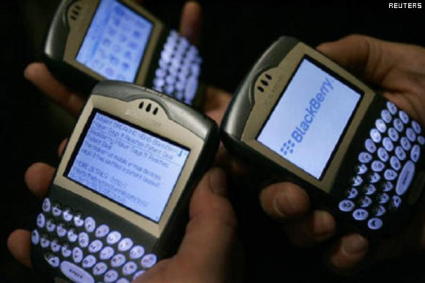BlackBerry will allow Govt to intercept messages