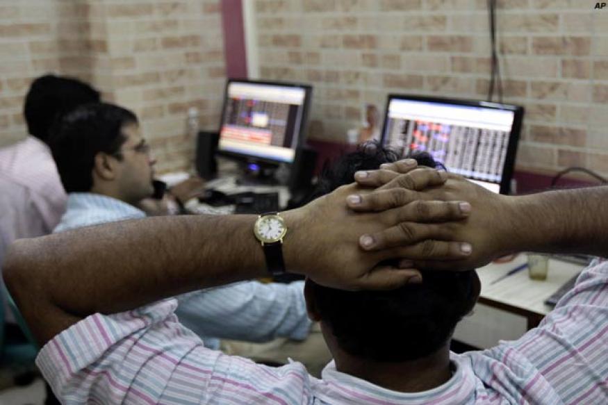 Sensex recoups losses, but stays volatile