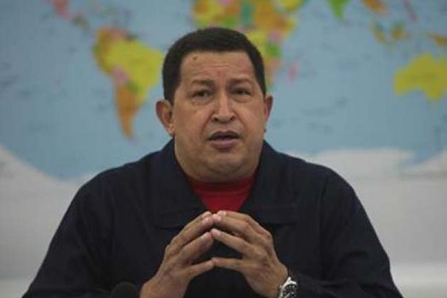Chavez flies to Cuba for urgent tumour removal