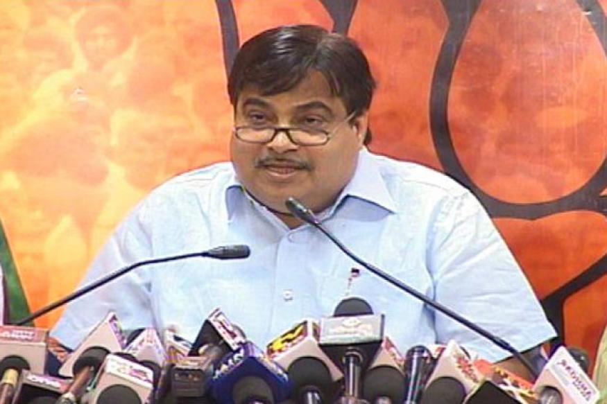 Gadkari avoids questions on BSY, K'taka crisis