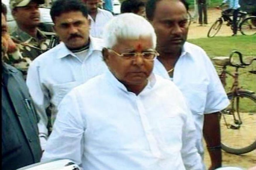 Fodder scam: CBI court summons Lalu, Mishra