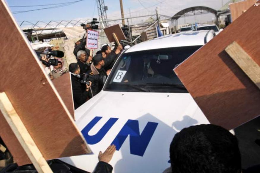 Palestinians hurl shoes at visiting UN chief
