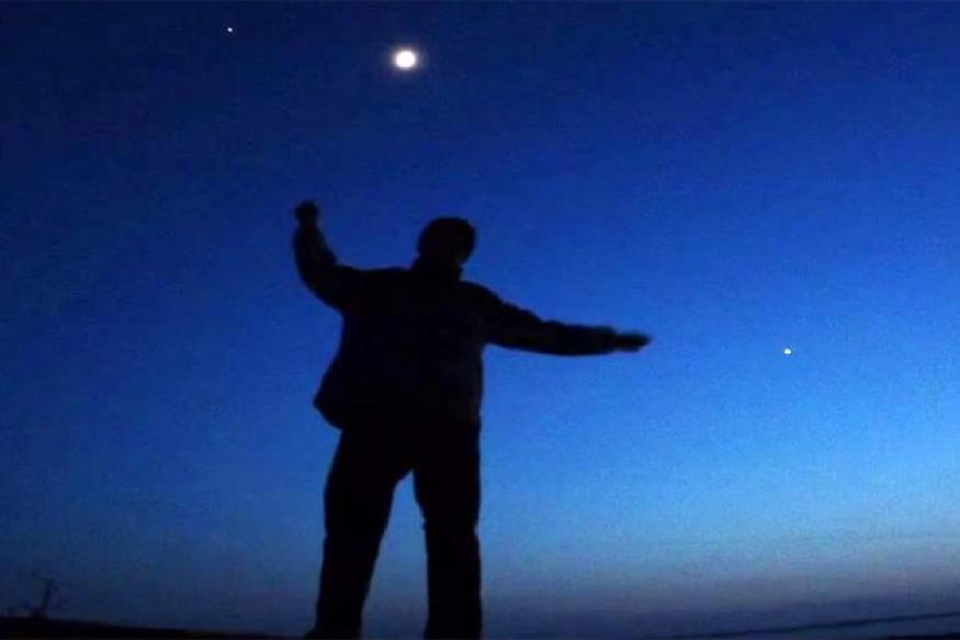 Venus, Jupiter and moon offer dazzling night show