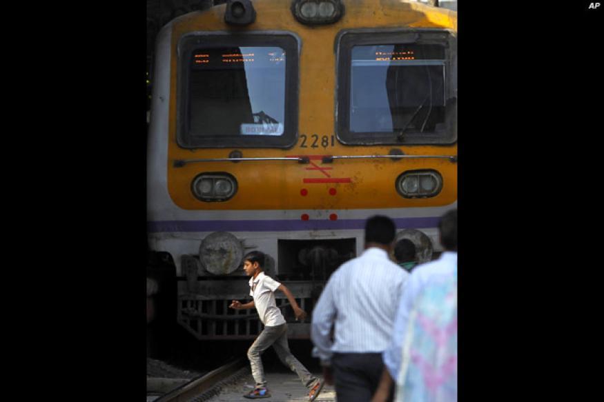 Patna: Train hits six vehicles; six injured