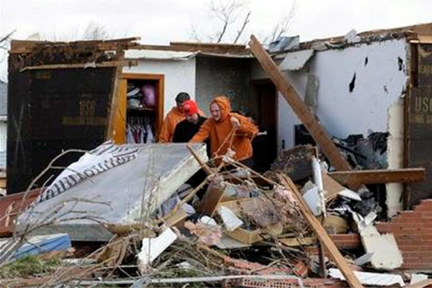 Rescue continues in US tornado zone, 39 dead