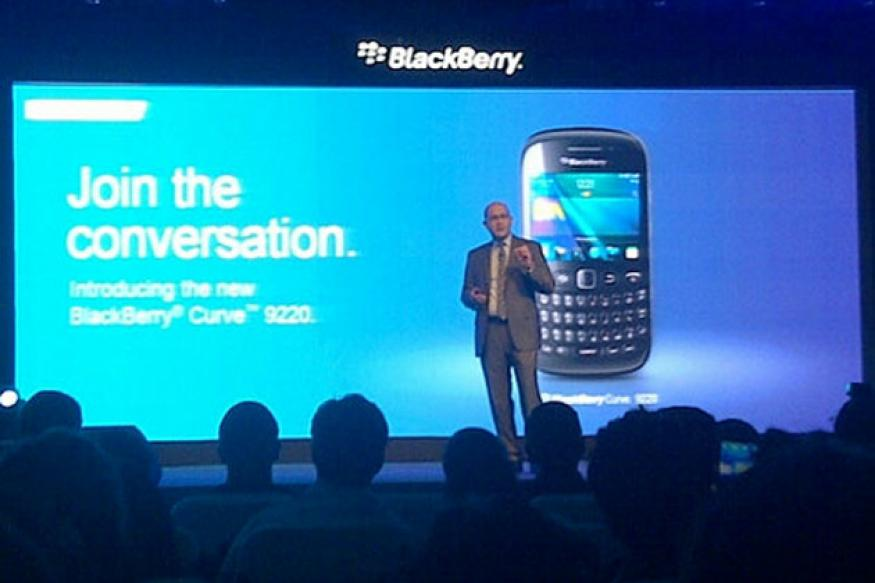 RIM launches BlackBerry Curve 9220 at Rs 10,990