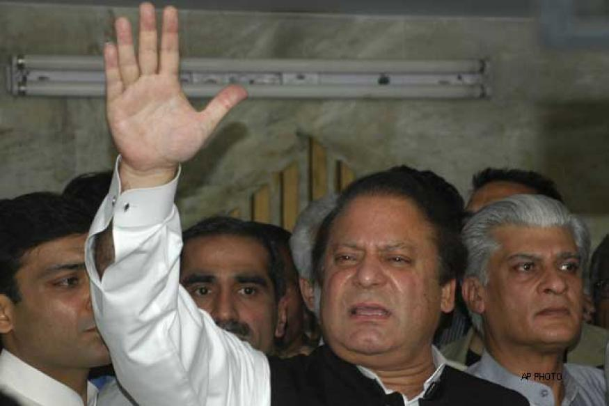 Nawaz Sharif welcomes Zardari's visit to India