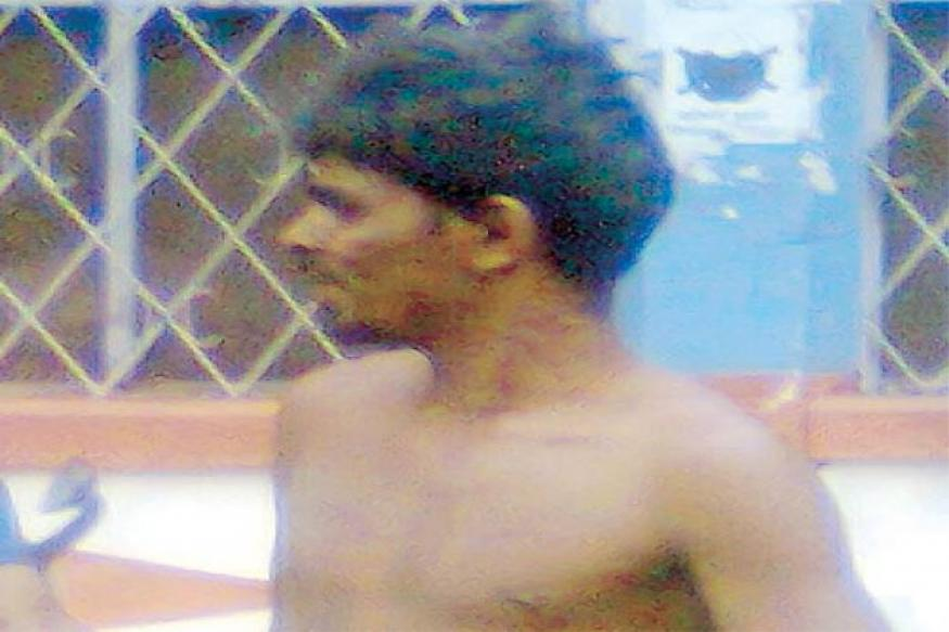 Pune: Naked man runs amok in school