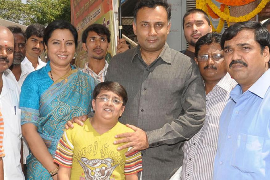 Somnath  pays tribute to Dr Rajakumar