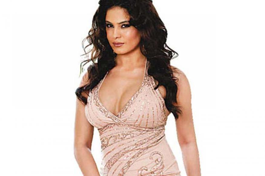 Silk Hot Mega: Veena Malik plays Silk Smitha