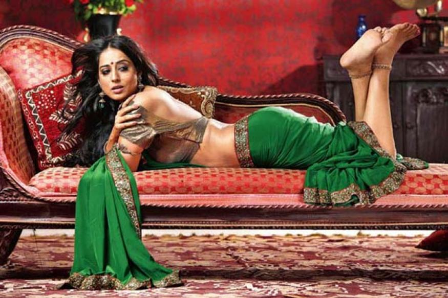 'Zanjeer' remake: Mahie Gill plays Mona Darling