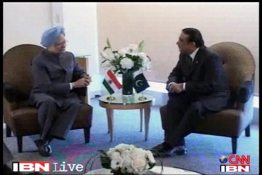 Not going to India to discuss Saeed: Zardari