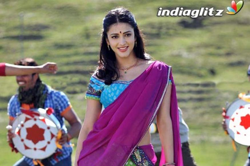 Shruthi rocks as Bhagyalakshmi in 'Gabbar Singh'