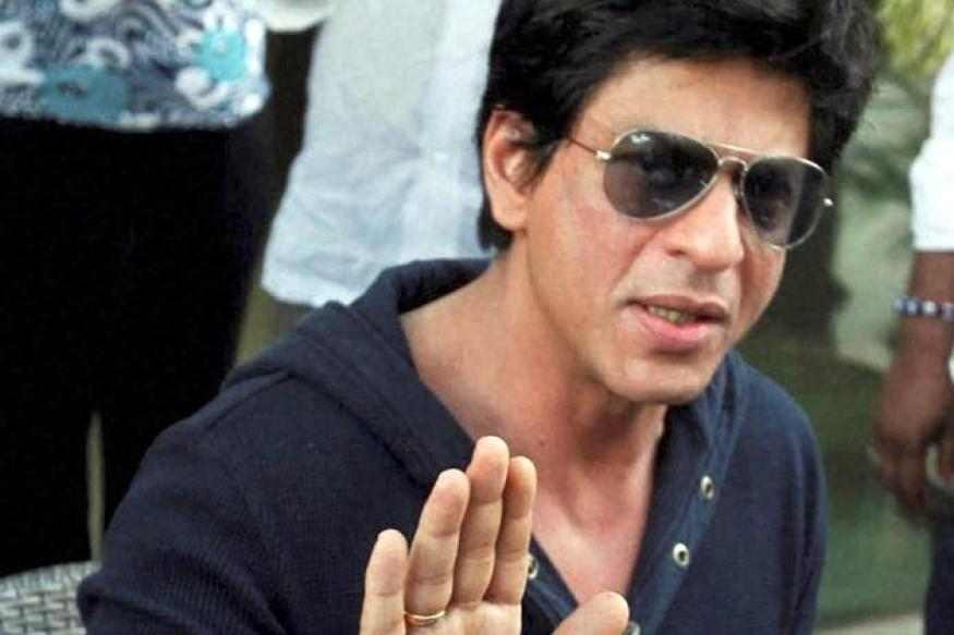 SRK summoned for smoking during an IPL match