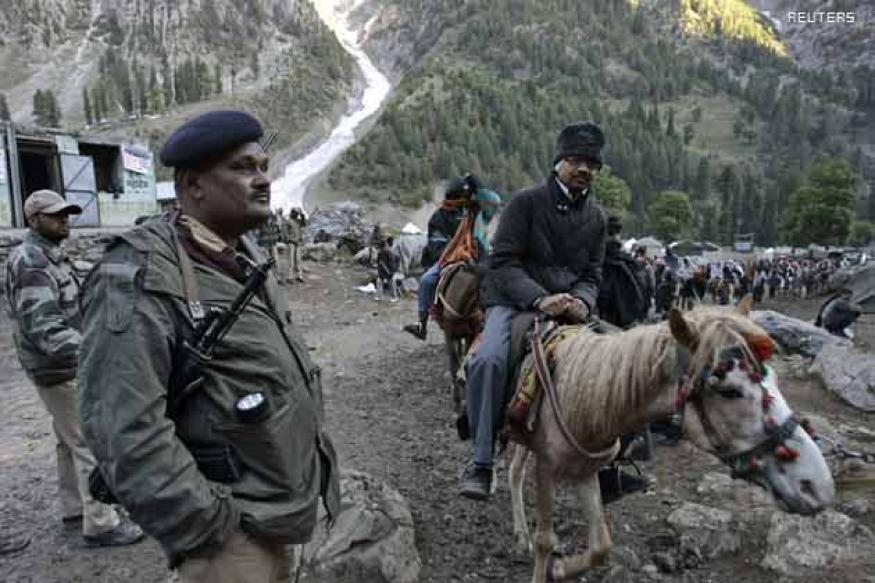 Thick snow cover posing new risk to Amarnath pilgrims