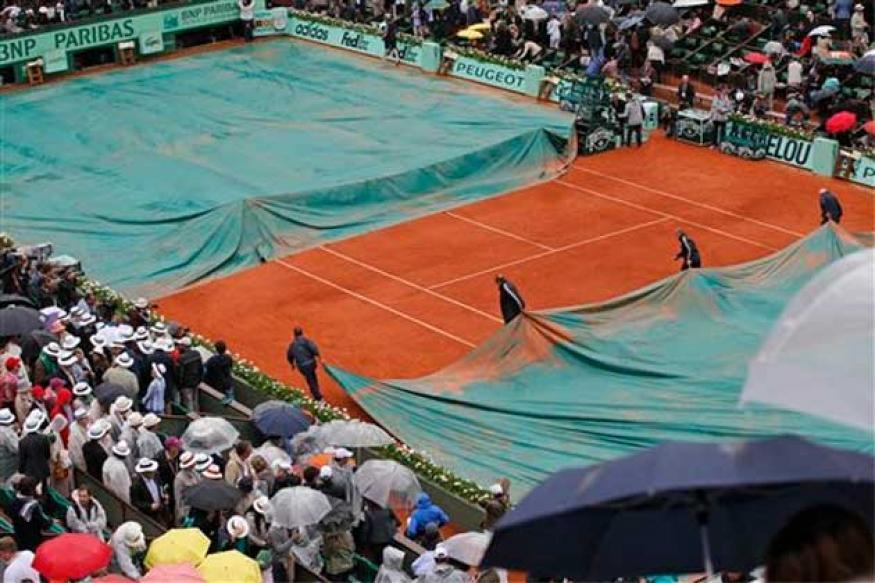 Rain postpones Nadal-Djokovic French Open final