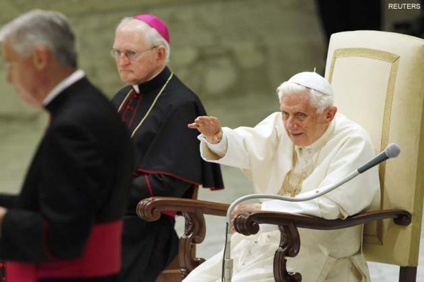 Vatican hires US journalist to help media relations
