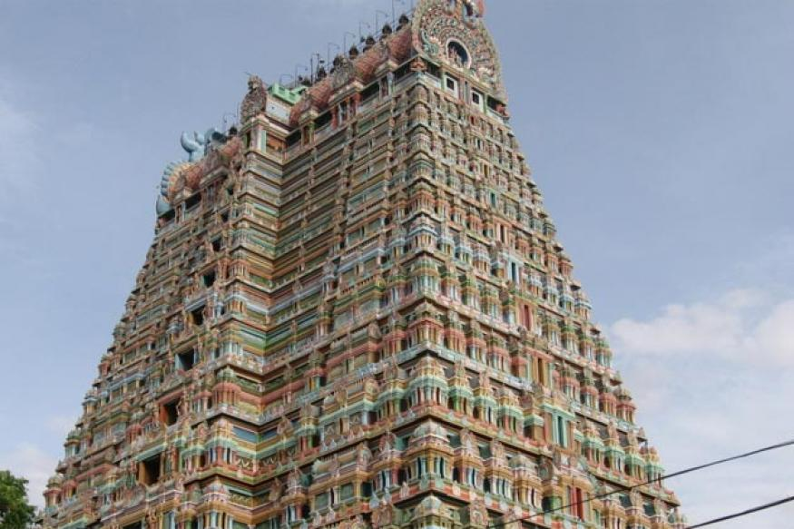 HC for scrapping passes to VIPs in TN temples